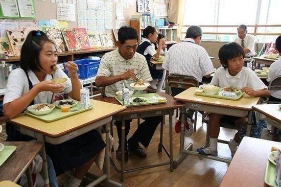 师生同餐.jpg